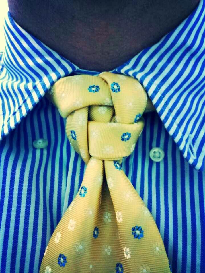 nudo corbata cuadrado