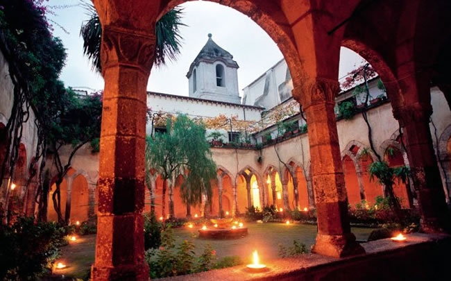 Cloister courtyard in Sorrento.   http://www.ionianweddings.co.uk/packages/italy-wedding-packages/sorrento-san-francesco-cloisters-wedding-seafront-pier-reception/
