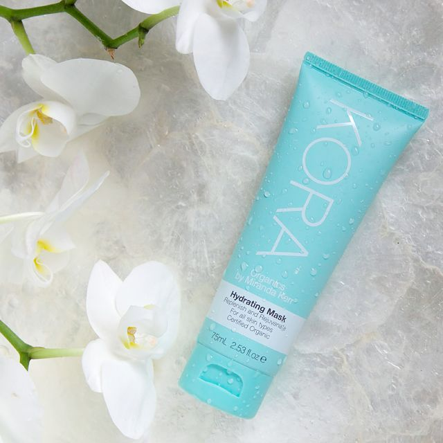 Restore essential moisture to your skin with our KORA Organics Hydrating Mask! We recommend applying this power packed formulation of vitamins and minerals 1 - 2 times a week. Discover more here http://www.koraorganics.com/us/hydrating-mask.html xxx ‪#‎KORAOrganicsLifestyle‬