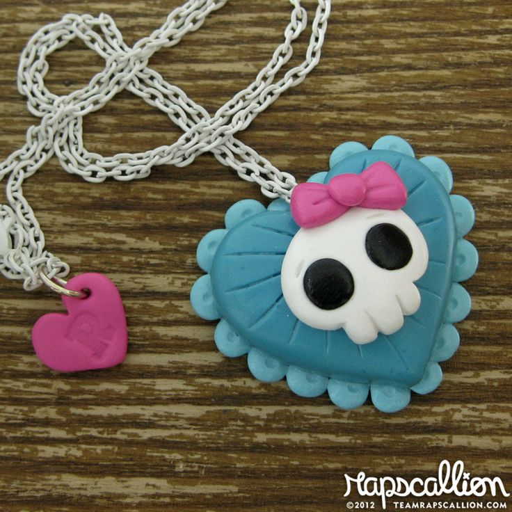 Pretty+Skull+Heart+Necklace+by+rapscalliondesign+on+Etsy,+$18.48