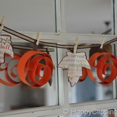 fall: Paper Garlands, Fall Decor, Thanksgiving Decor, Paper Pumpkin, Diy Gifts, Pumpkin Garlands, Swir Pumpkin, Leaf Garlands, Paper Crafts