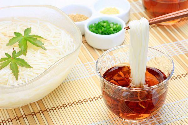 Somen, prato típico do verão japonês
