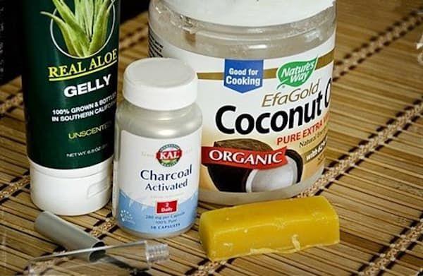 Les ingrédients de ce mascara fait-maison sont 100 % naturels, pas de produits toxiques ici !