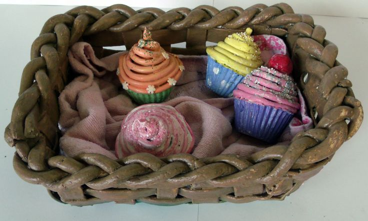 Cup Cake Basket (clay)