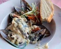 Moule à la sauce maroilles : http://www.cuisineaz.com/recettes/moule-a-la-sauce-maroilles-54312.aspx