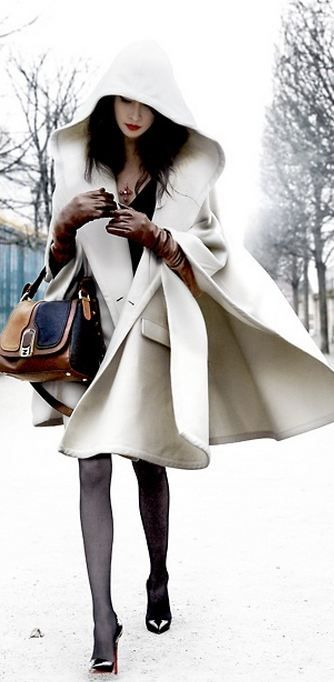 Fabulous jacket, leather gloves and a two-tone satchel. Winter fashion begs for accessories.