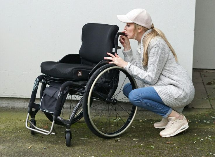 Love my new wheelchair from Panthera. Visit my blog for more photos! www.heelsandwheels.blogg.no