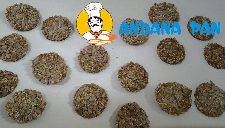 Cu totii ne dorim produse dulci dar sanatoase. Aceste produse pot fi alegerea perfecta: seminte, susan, nuci, alune si miere de albine. #baiamare   #andanapan   #brutarie   #patiserie   #cofetarie   www.AndanaPan.ro