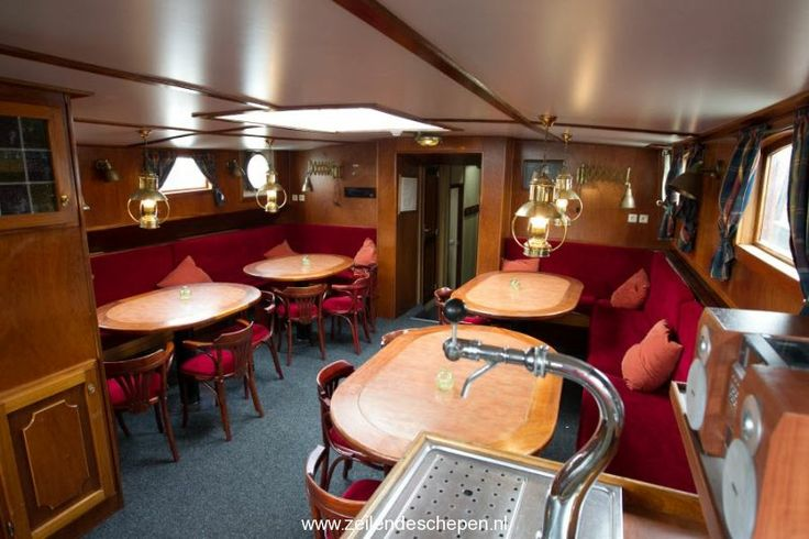 Lounge area with beertap on board the sailing ships de Inspiratie.