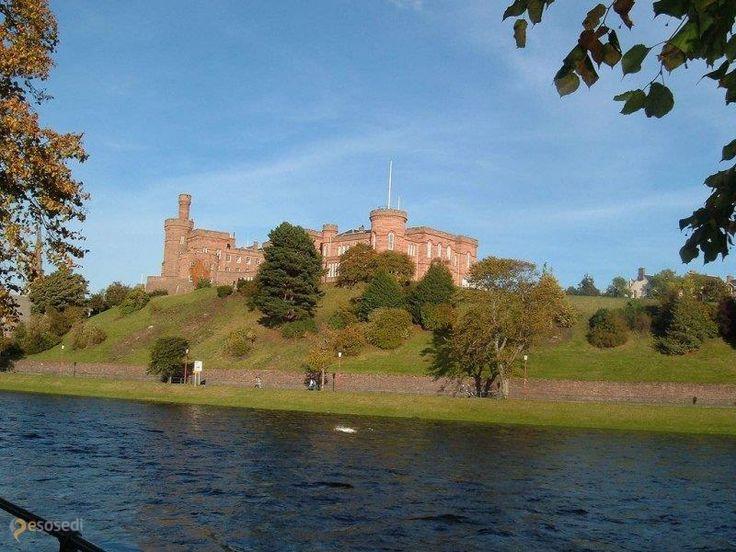 Замок Инвернесс – #Великобритания #Шотландия (#GB_SCT) Замок 19 века, построенный на месте разрушенного средневекового http://ru.esosedi.org/GB/SCT/1000463379/zamok_inverness/