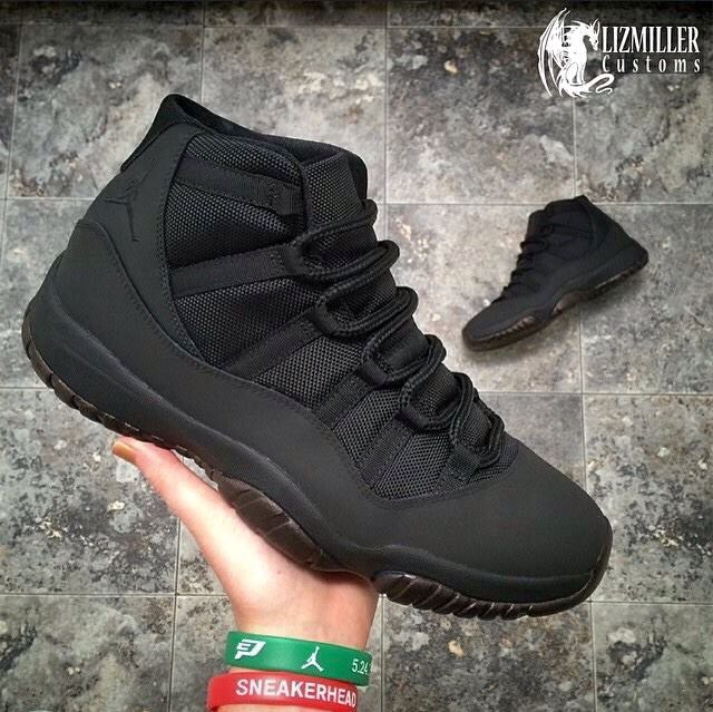 black jordans shoes for women
