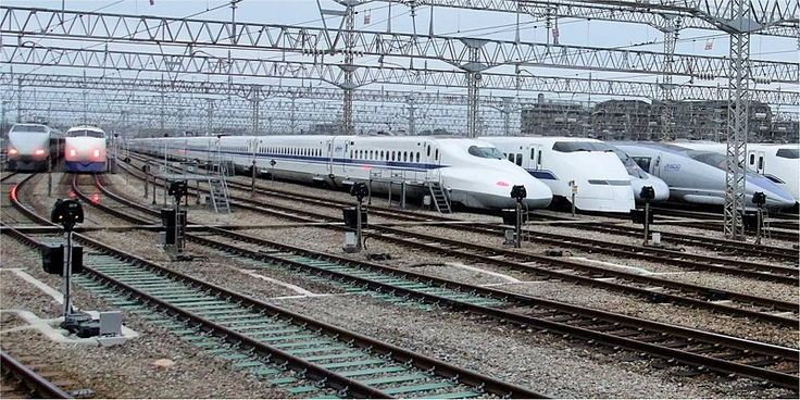Lineup of JR West Shinkansen trains, October 2008    日本語: 東海道・山陽新幹線歴代車両  Tokaido Sanyou Shinkansen all series.  Shinkansen trains now run regularly at speeds up to 320 km/h (200 mph), placing them with the French TGV and German ICE as the fastest trains in the world.