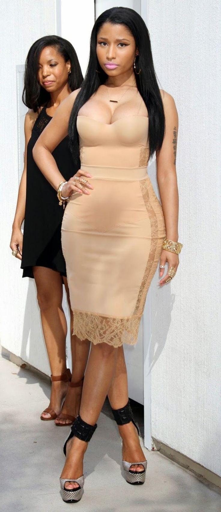 Nicki Minaj's Legs And Feet-23 Sexiest Celebrity Legs And Feet