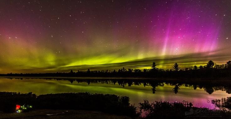 Amazing photo of the northern lights taken in the Torrance Barrens, Ontario. #ExploreCanada