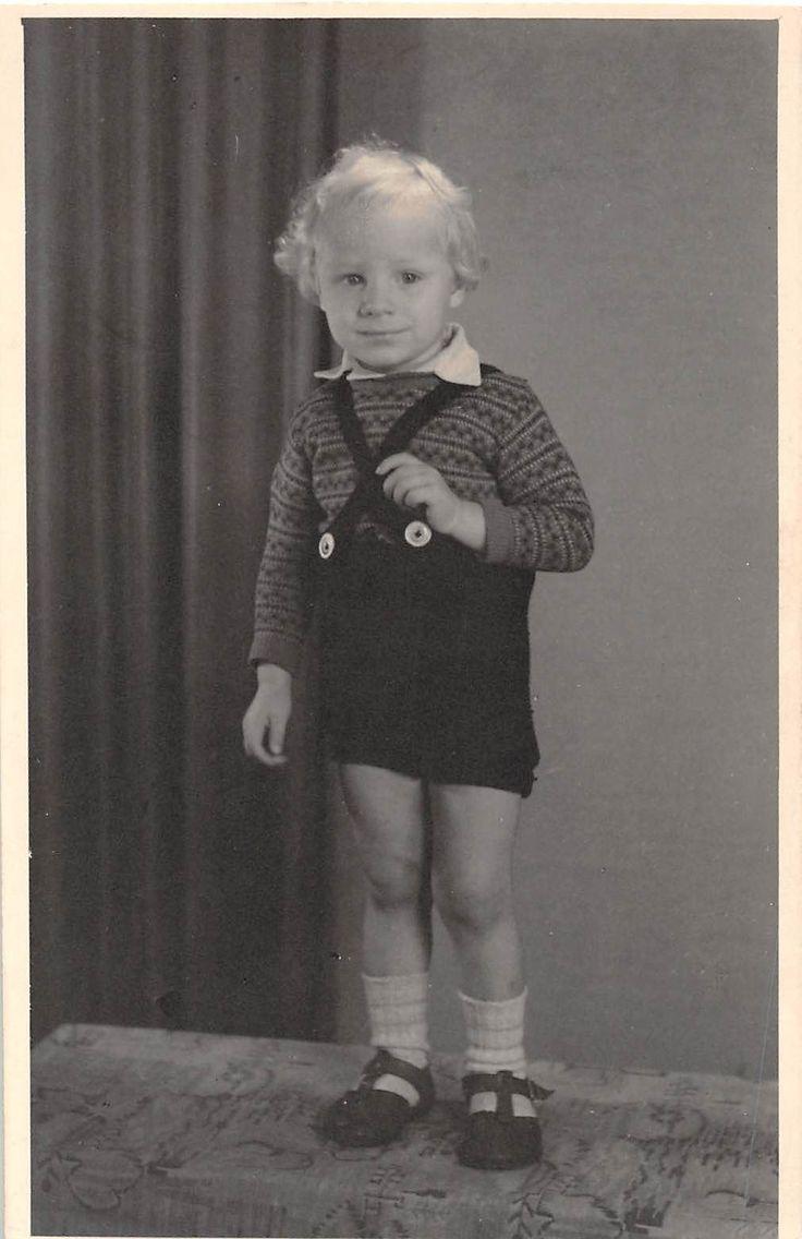 Черно-белая винтажная снимка фотография маленький мальчик портрет милый 40-х годов 20 века | eBay