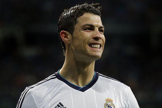 """Mãe de Ronaldo """"feliz"""" com a separação do filho. """" Ele esta feliz e eu também estou feliz"""" http://angorussia.com/noticias/mundo/mae-de-ronaldo-feliz-com-a-separacao-do-filho-ele-esta-feliz-e-eu-tambem-estou-feliz/"""