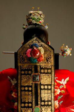 hanbok, Korean traditional bridal gown-http://www.belajarbahasakoreaonline.blogspot.com/2013/04/topik-partikel.html