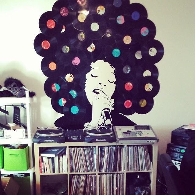 Décoration avec des vinyles via le blog Montreal Addicts http://montreal-addicts.com/decoration-vinyles-diy/