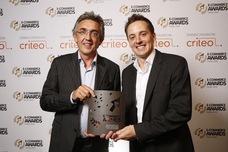 """@AlainLaidet2 remet l'E-commerce Award dans la catégorie """"Logistique"""" à @Chronopost #ECP13 #Awards"""