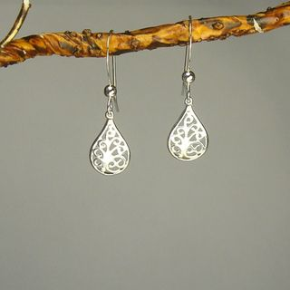 @Overstock.com - These cute domed filigree teardrop earrings in .925 sterling silver. This beautiful pair is hung on french hook earwires.http://www.overstock.com/Main-Street-Revolution/Jewelry-by-Dawn-Filigree-Teardrop-Sterling-Silver-Earrings/6816578/product.html?CID=214117 $12.99
