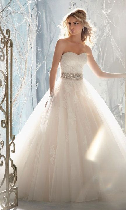 Missesdressy For The Cinderella Bride This Beautiful Wedding Gown From Bridal By Mori Lee Features Tulle Overlaying Beaded Alencon Lace Liques And
