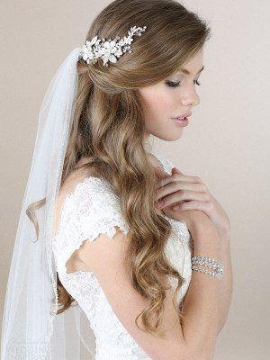 Resultado de imagen para peinado de novia con velo y tocado trenza