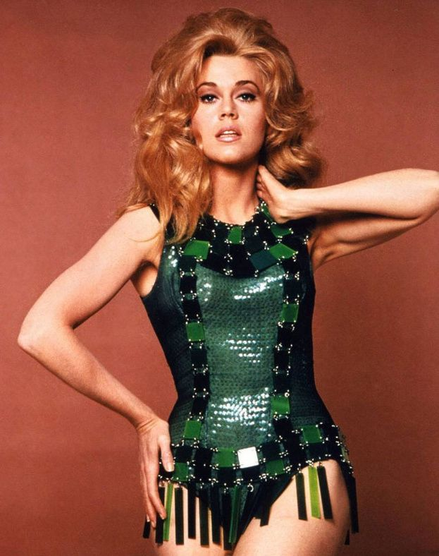 Jane Fonda in Barbarella (Roger Vadim) - Costumes par Paco Rabanne