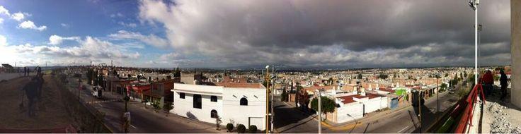 Así nos llegó el clima frío en la mañana después de una ligera lluvia y nublado de ayer. Vista desde la línea verde al Oriente de esta bella ciudad de #Aguascalientes. Joaquín, seguiremos informando!