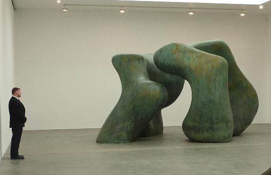 Henry Moore - Large Two Forms 1966 - Picture of Gagosian Gallery ...