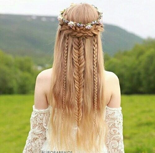 hair, girl, and hairstyle resmi braids // blonde hair // long hair // flower crown
