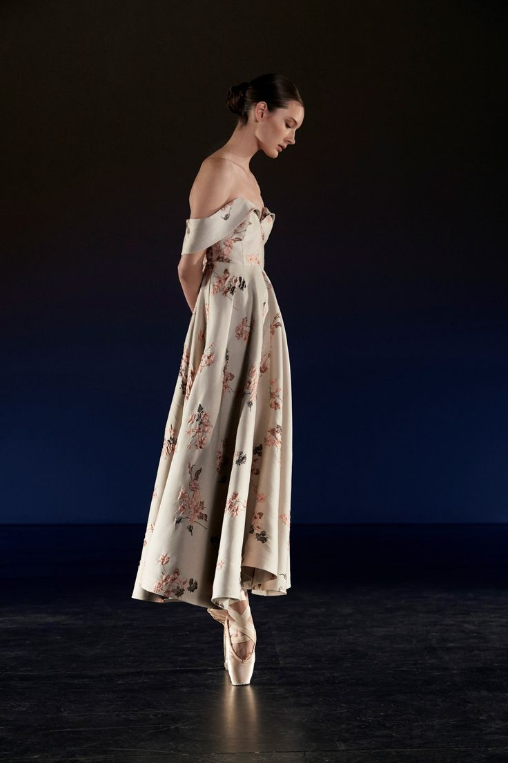 This is a rehearsal dinner dress that will be remembered long after the night is over! Co Spring 2018 Ready-to-Wear Fashion Show