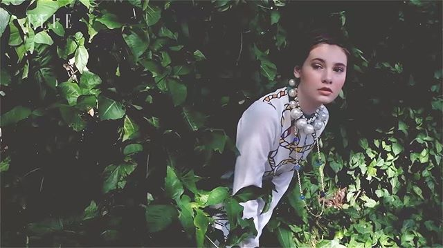 A sneak peek of our exclusive photoshoot featuring Tory Burch's spring/summer 2017 collection in Hong Kong. Watch the full #ELLEBehindTheScene video on our Youtube channel! #ELLEMarch17 #ToryBurch Photography & Videography @ifanhartanto Styling @aninditasaryuf Video Editing @satyadanuw Makeup & Hair @kalamakeup Model Vish/Sun Esee  via ELLE INDONESIA MAGAZINE OFFICIAL INSTAGRAM - Fashion Campaigns  Haute Couture  Advertising  Editorial Photography  Magazine Cover Designs  Supermodels  Runway…