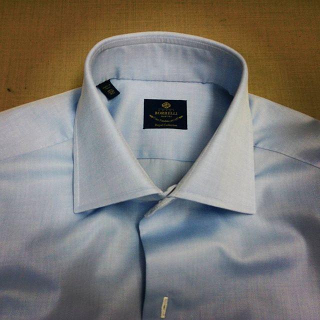 【LUIGI BORRELLI】一枚物のドレスシャツの仕上げは、本当に大変です(^-^ゞ�...