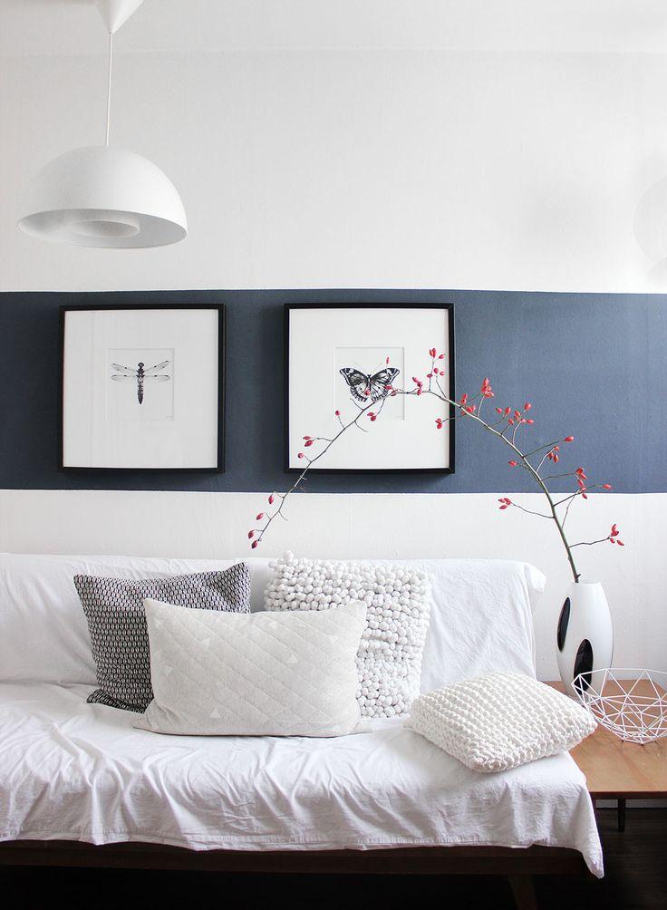 oh what a room: Rot und blau… so schön! Herbstdeko mit Hagebuttenzweig im Gästezimmer