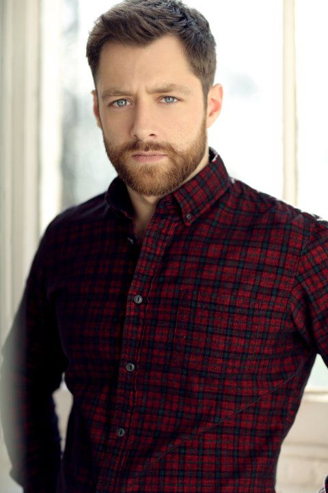 Richard Rankin cast as Roger Wakefield in Season Two of Outlander on Starz