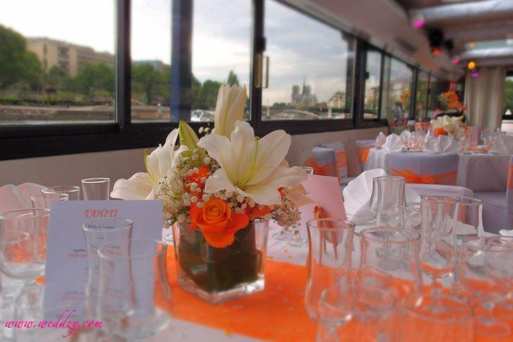 Centre de table délicat orange