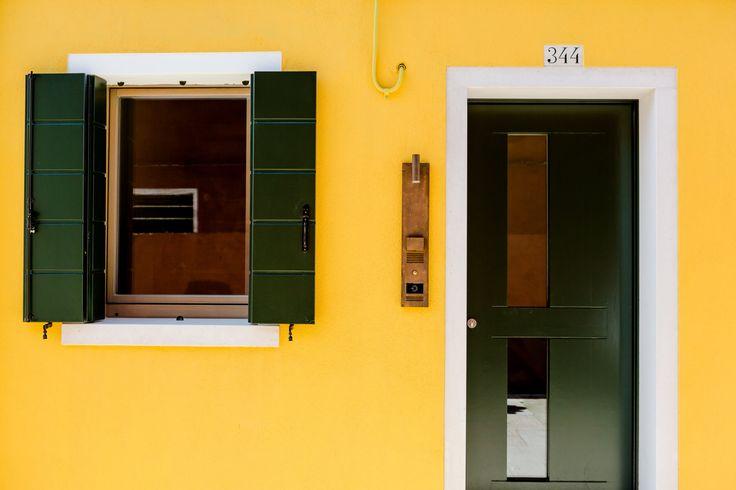 Venissa Wine Resort, referenza Vimar a Venezia. Entrata con sistema citofonico 2 fili plus Elvox, e lettore card. Applicazione hotel - referenza http://www.vimar.com/it/it/venissa-wine-resort-venezia-12532172.html