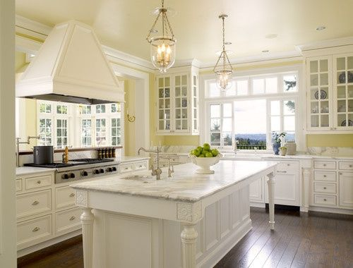 Love this kitchen... Best Colors Your Home:  Pale Yellow