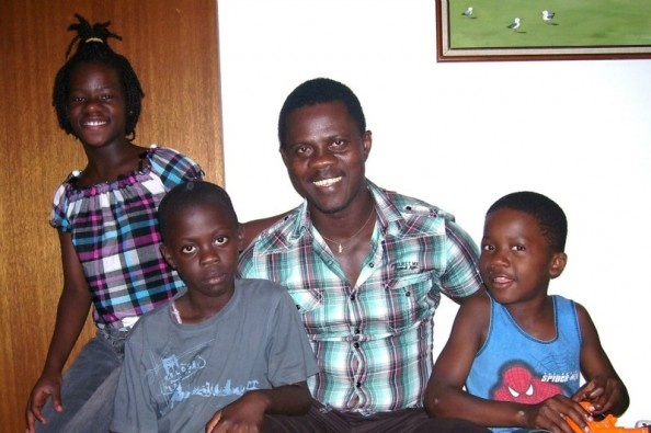 Help support Reunite refugee Philip's family .