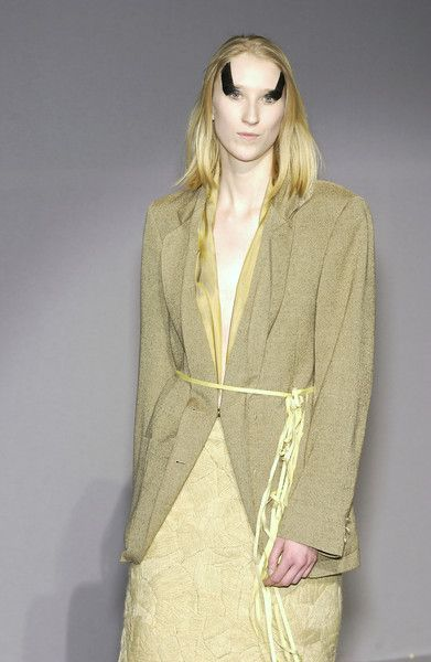 Maison Martin Margiela at Paris Fashion Week Fall 2003 - Runway Photos