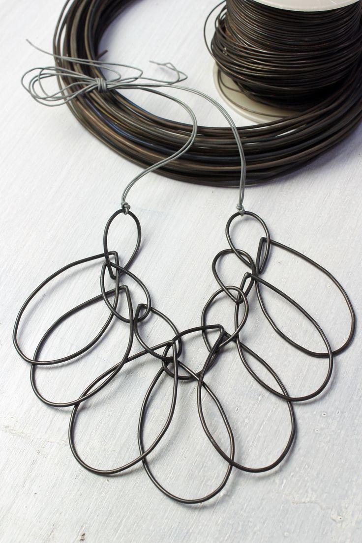 Melissa necklace in steel