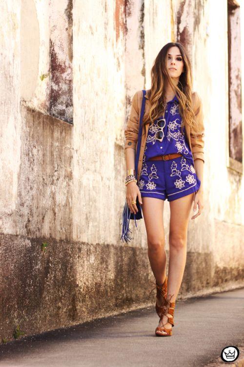 http://fashioncoolture.com.br/2013/11/14/look-du-jour-home-of-the-blues/