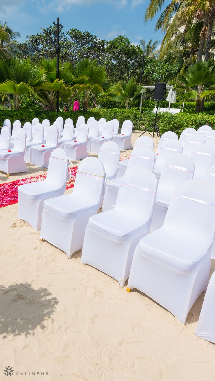 White Wedding Chairs For Outdoor Summer Wedding Ceremony Outdoor Wedding Ceremony Outdo Banquet Chair Covers Wedding Decor Elegant White Wedding Decorations