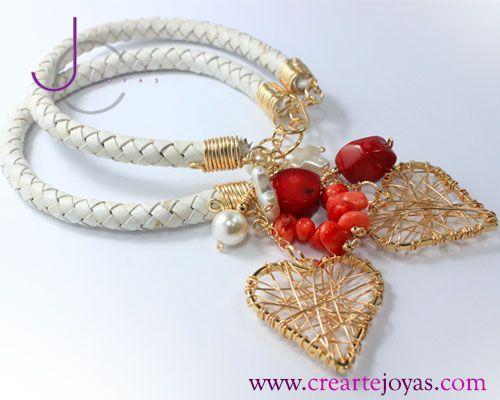 Pulsera cuero blanco dijes de Corazon y Piedras de coral rojo y Perlas Naturales, en