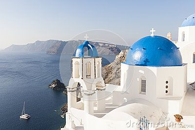 Blue domes Oia, Santorini #oia #santorini #greekvillage #greece #bluedomes
