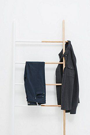 die besten 17 bilder zu einrichtungsideen leiter auf pinterest urban outfitters basteln und. Black Bedroom Furniture Sets. Home Design Ideas