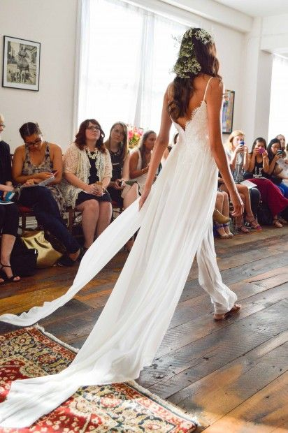 Claire pettibone romantique 39 casablanca 39 wedding dress for Wedding dresses denver area