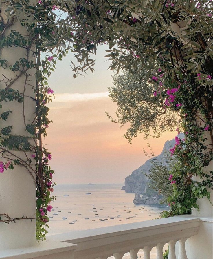 Beautiful World, Beautiful Places, Places To Travel, Places To Go, Italian Summer, Foto Art, Travel Aesthetic, Summer Aesthetic, Pretty Pictures