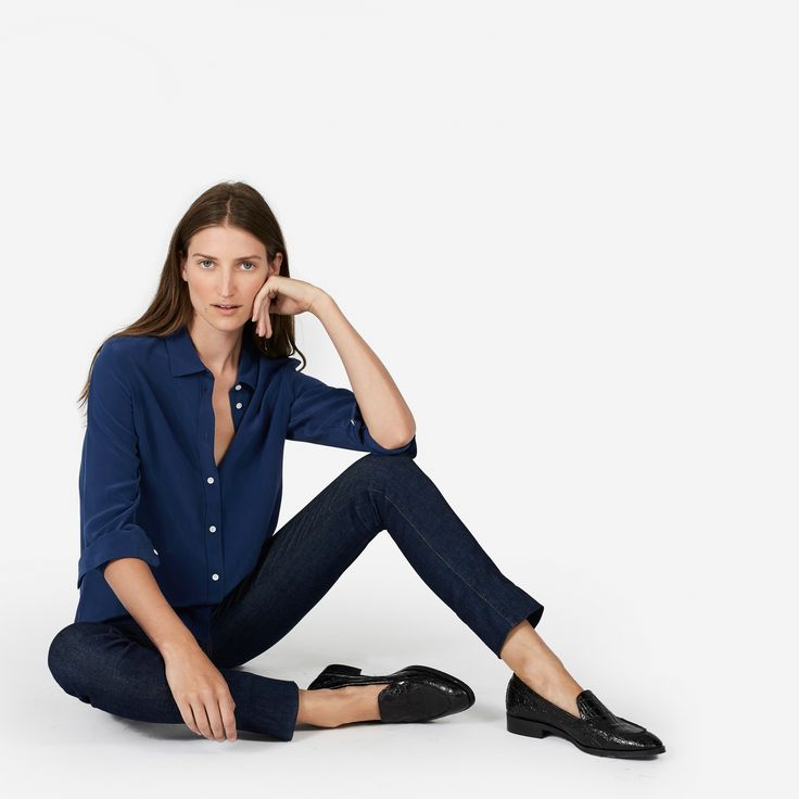 I love the loose shirt + tight pants + loafers combo