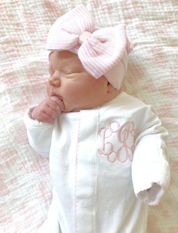 Baby Madchen Kommen Nach Hause Outfit Monogrammiert Footie Personalisierte Babygeschenk Monogramm Baby Girl Newborn Baby Monogram Baby Girl Newborn Pictures